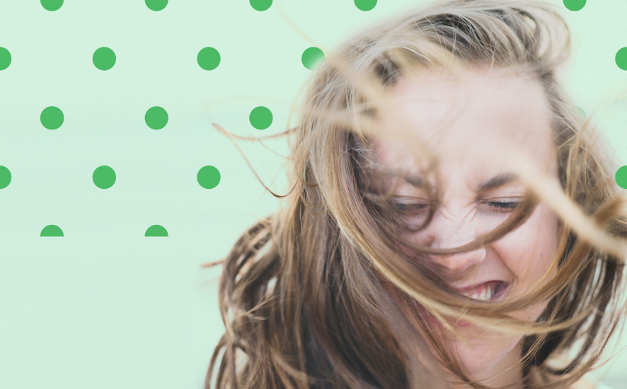 Jak sobie radzić z elektryzującymi się włosami