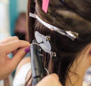 Przedłużanie włosów na zgrzewy keratynowe