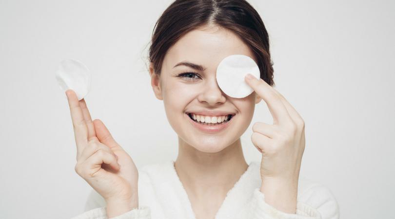 OCM: oczyszczenie twarzy olejami