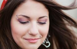 Piercing – czy nadal jest modny?