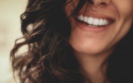 Jak wybielić zęby? Domowe sposoby