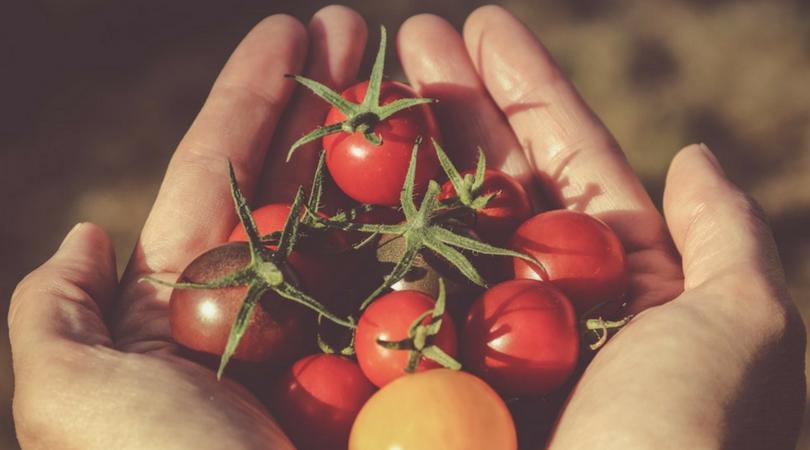 Domowy sposób na trądzik - peeling z pomidorów