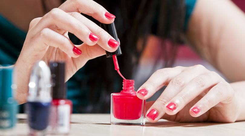Jak przedłużyć trwałość lakieru do paznokci_