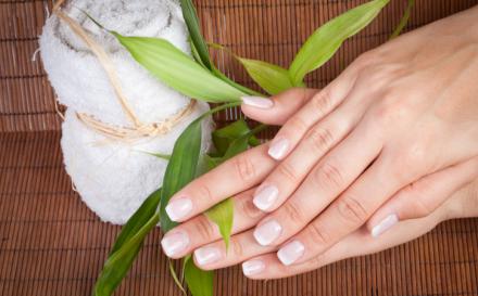 Na czym polega manicure japoński?