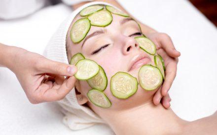 Sprawdź, czy lepiej wykonać zabiegi w domu, czy w salonie kosmetycznym