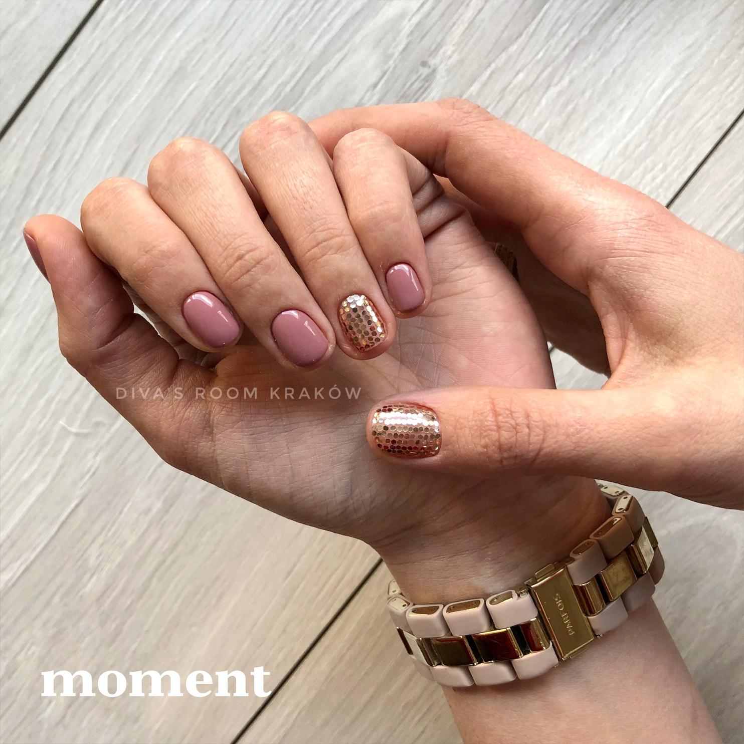 Wiosenne paznokcie - trendy, wzory i kolory