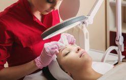 Manualne czy mechaniczne oczyszczanie twarzy – co wybrać?