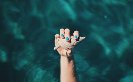 Jak zrobić półhybrydę, czyli rzecz o skutecznym sposobie na piękne i zdrowe paznokcie
