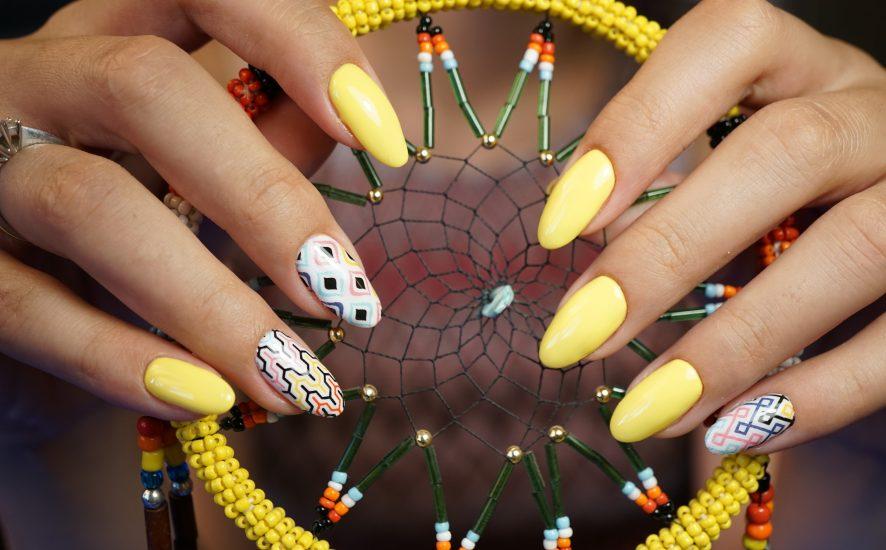 Poznaj trendy w manicure na lato