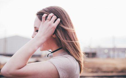 Jak pozbyć się włosów z rąk?