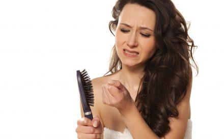 Czym jest i jak się objawia łysienie androgenowe u kobiet? Najlepszy opis choroby