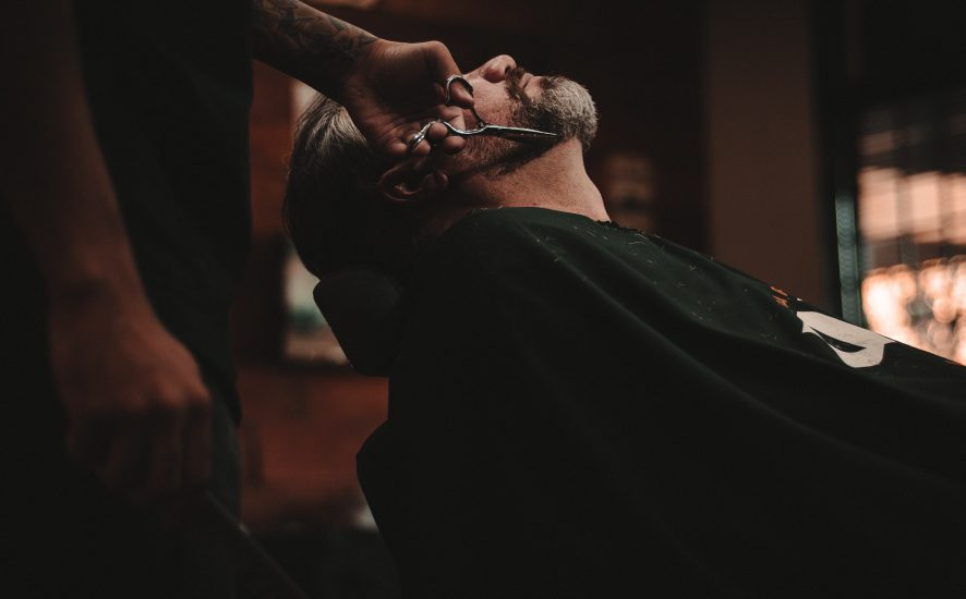 Podrażnienia po goleniu twarzy - jak prawidłowo się golić?