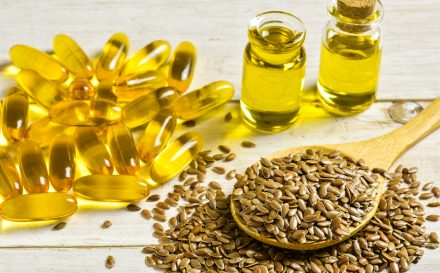 Poradnik: jak wykorzystać olej lniany na włosy i skórę!
