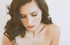 Sucha skóra to nie tylko problem pielęgnacyjny. Nadmierne wysuszanie się skóry, może świadczyć o poważnych chorobach!