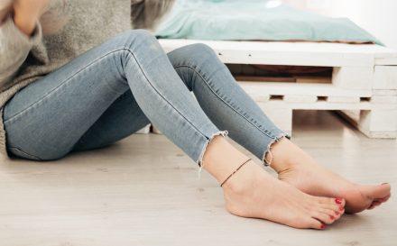 Jak pielęgnować paznokcie u nóg? Najczęstsze choroby paznokci