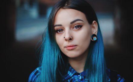 Tatuowanie oczu – nowa forma modyfikowania ciała czy niebezpieczny zabieg? Zobacz, jakie może mieć konsekwencje