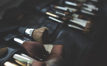 Co zrobić, aby makijaż dłużej pozostawał na twarzy? Poznaj skuteczne metody na trwały makijaż