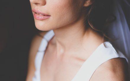 Jak usunąć zmarszczki wokół ust i powiększyć ich objętość? Najpopularniejsze preparaty i zabiegi