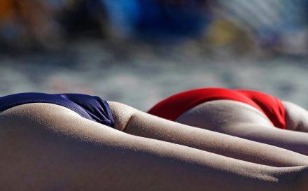 Jak powinna wyglądać depilacja bikini w domu? Najlepsze metody domowej depilacji, nie tylko miejsc intymnych