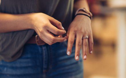 Obgryzanie paznokci – jak się tego oduczyć