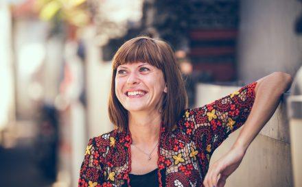 Podpowiadamy, jaki zabieg na twarz po 40 roku życia warto wykonać. Poznaj najlepsze zabiegi odmładzające na twarz dla cery dojrzałej