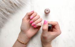 Czy wiesz, jak prawidłowo używać sprzęt do paznokci? Zobacz, jak używać przyrządy do zdobienia paznokci!