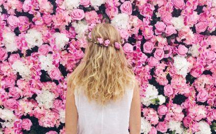 Czym się charakteryzuje typ urody wiosna? Jak dobierać kolory ubrań i tonację makijażu dla Pani Wiosny?