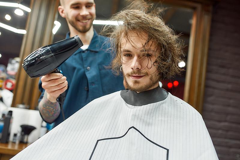 Męskie fryzury - long side part