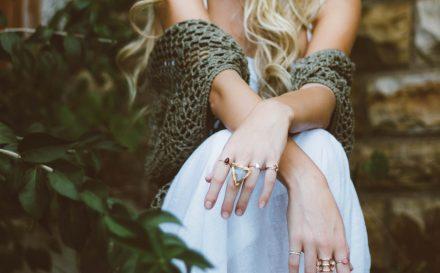 Masz białe plamki na paznokciach? Sprawdź, co one oznaczają i czy są groźne dla zdrowia!