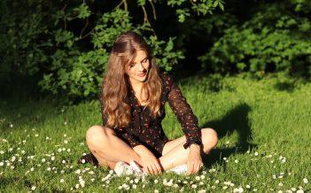 Daisy hair – idealna fryzura na słoneczne dni?