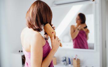 Najlepsze przepisy na domową pielęgnację włosów w czasie kwarantanny