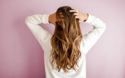 jak farbować włosy w domu