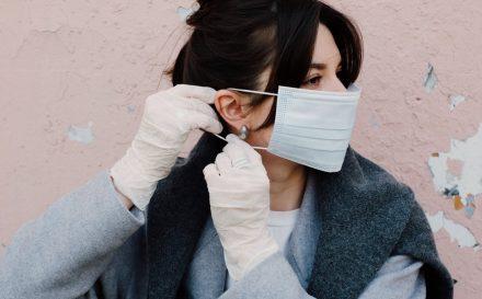 noszenie maseczki a stan skóry twarzy