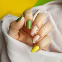 Manicure wiosenny-Instagram-@besttimetonails