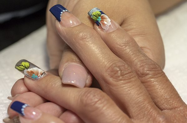manicure with nail design