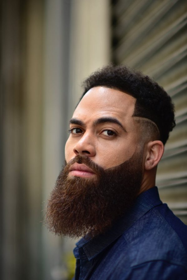 Example of a beard that benefits from straightening tools.
