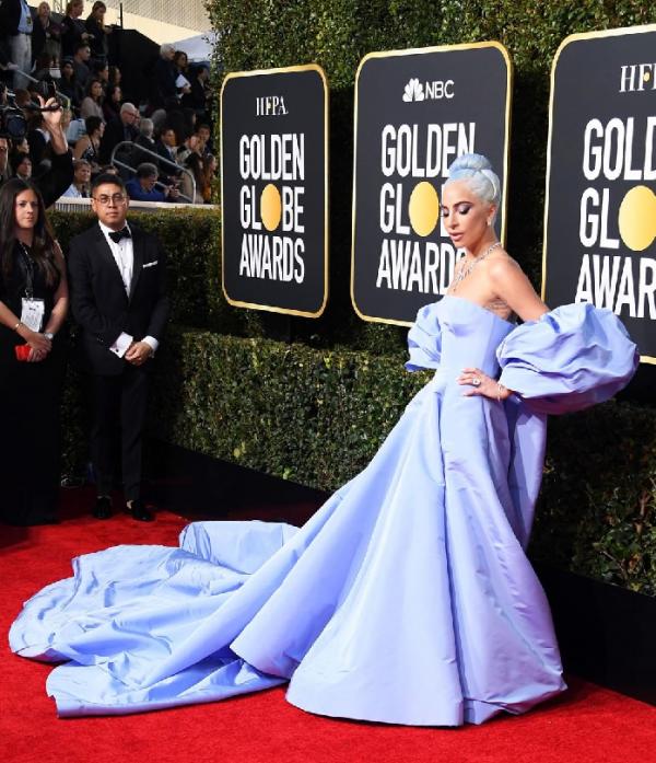 golden globes fashion trends - lady gaga