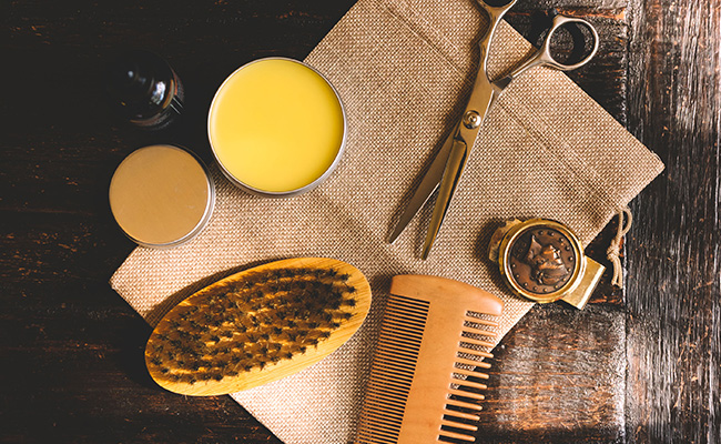 picture of beard grooming tools.